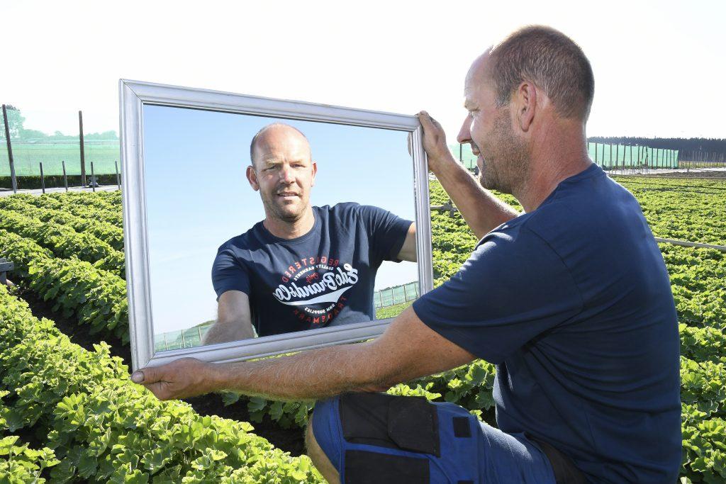 Robert-de-Groot-in-de-spiegel-greenport-duin-en-bollenstreek