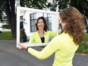 Karin-Hoekstra-in-de-spiegel-greenport-stories